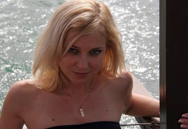 Natalia-Poklonskaya-Sexy-Crimea-Prosecutor-14