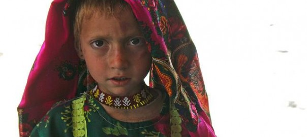 1280px-Pashai_girl_in_Afghanistan,_wearing_distinctive_Pashai_clothing