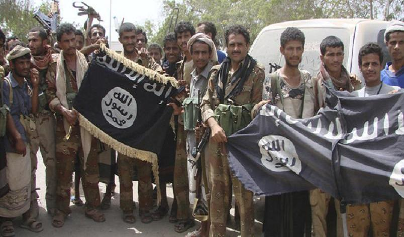 Al-Qaeda in three way fight for Yemen.