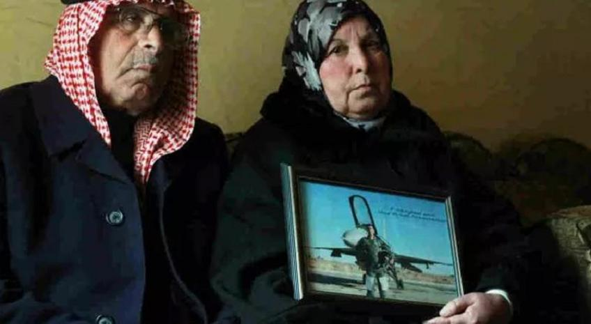 575x382xfather-mother-of-jordanian-pilot-575x382.jpg.pagespeed.ic_.2P2zhJK9BvAtdq9GgZdk
