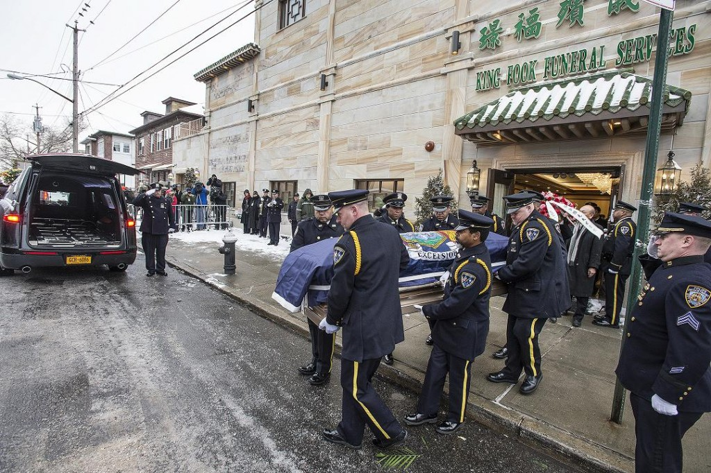 Officer_Thomas_Choi_Funeral_Processio_(16213518866)