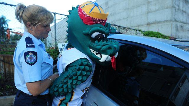 691716-crocs-mascot