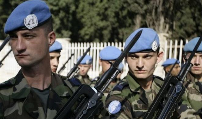 UN troops showing off their letter openers. (Public domain)