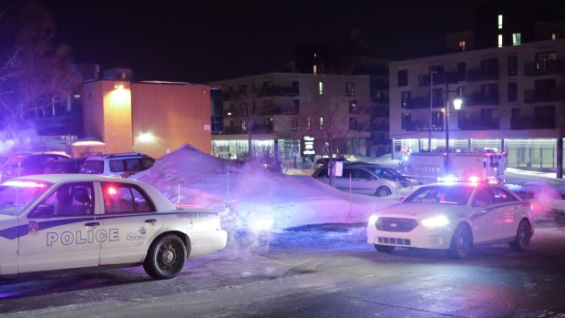 Canadian police respond to shootings at Quebec City mosque. (Twitter)