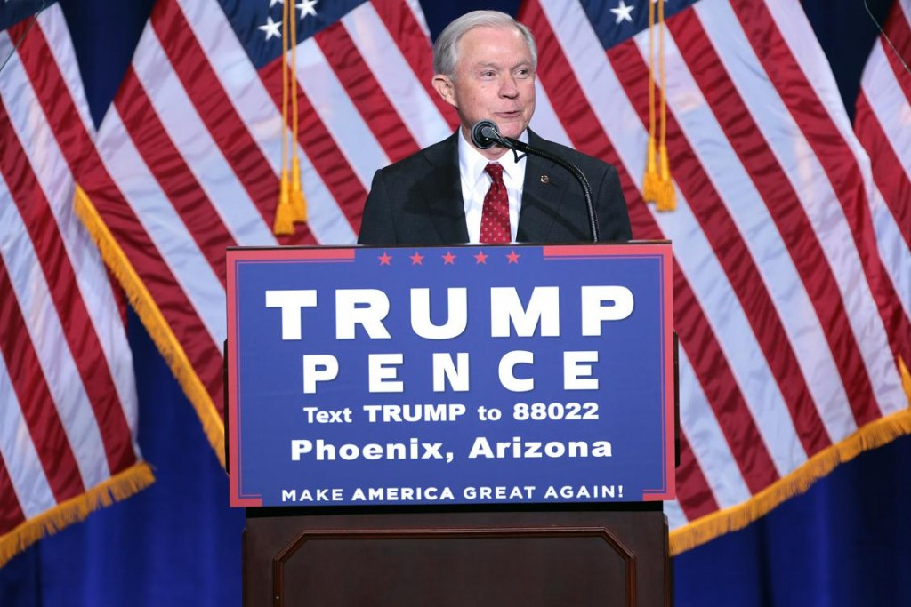 Sessions stumping for Trump-Pence. (Wikipedia)